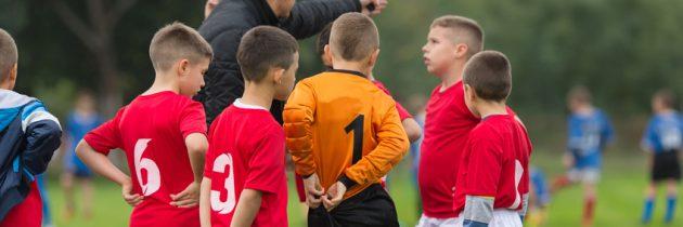 Flyktingar väcker liv i fotbollsklubbar